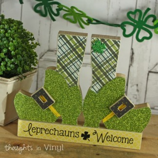 wooden crafts | St. Patrick's Day | leprechaun shoes