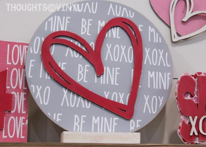 Be Mine Xoxo Round Plaque